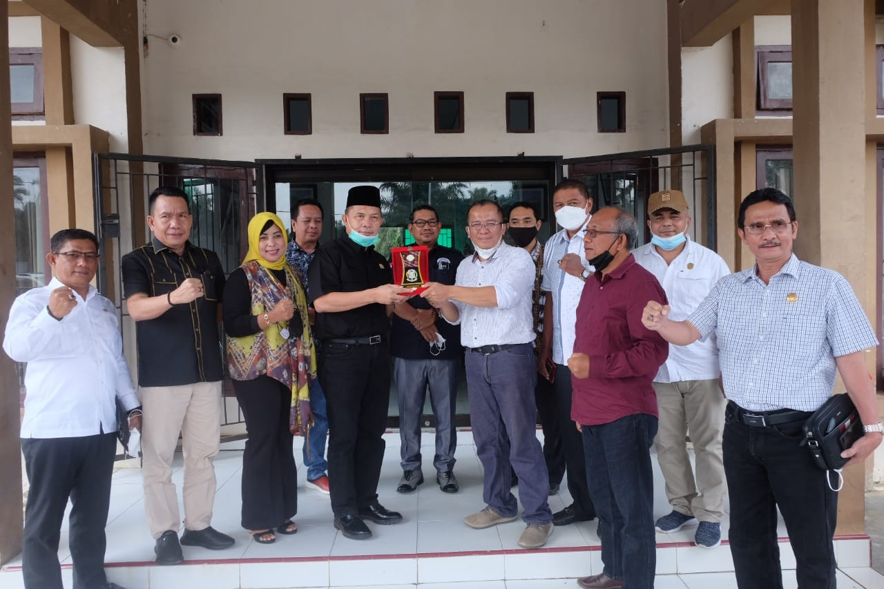 Dinas Komunikasi dan Informatika Kabupaten Muaro Jambi Menyambut Kedatangan DPRD Banyuasin